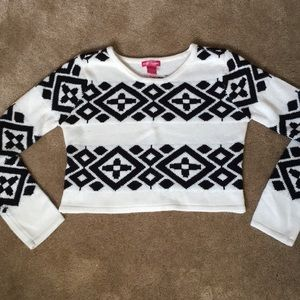 Blacks and white patterned cropped sweater